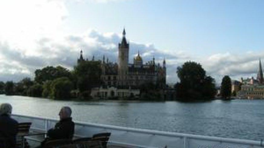 Schweriner Schloß von der Seeseite