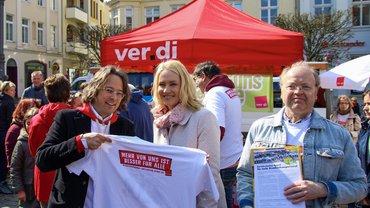 Manuela Schwesig unterzeichnet Nordappel zum Tag der Pflege