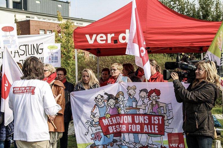 Warnstreik Wismar 19.09.17, Presse vor Ort